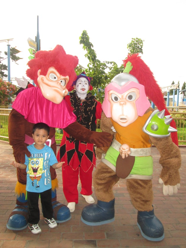 With the EK Mascots